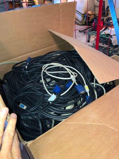 Lots de cables VGA, dans l'état