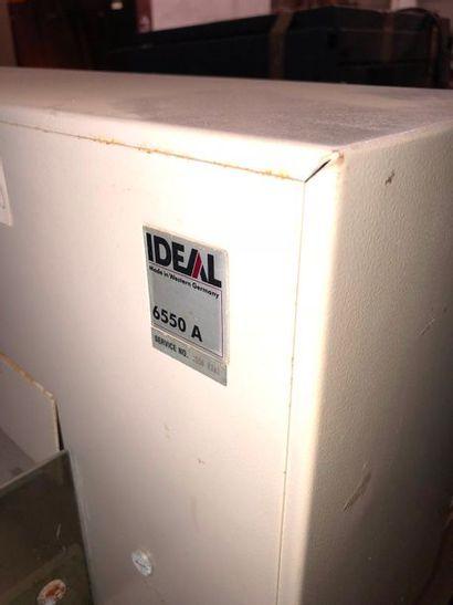 Porte lames IDEAL, coupe papier électrique, dans l'état. Matériel non conforme...