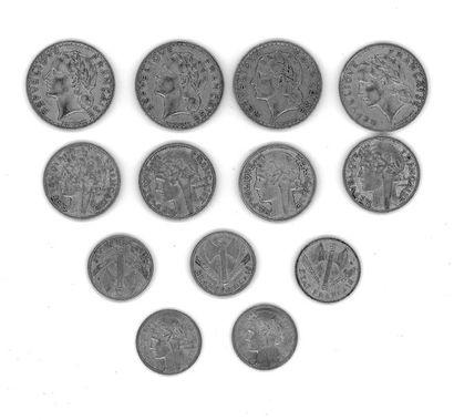 Lot de pièces comprenant:  - Quatre pièces...