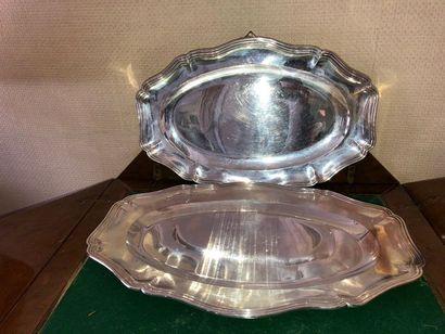 Deux plats ovales à filets et contours en...
