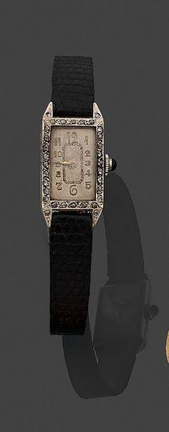 Montre-bracelet de dame, la montre de forme...