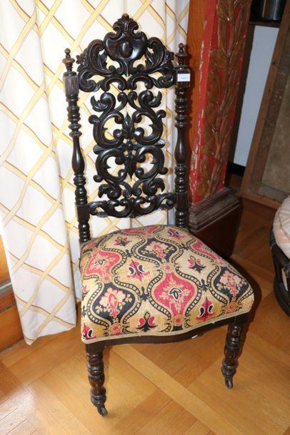 Chaise en bois noirci  Epoque Napoléon III...