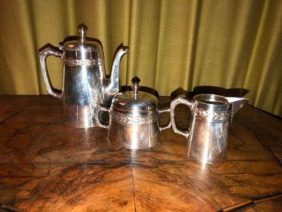 Service à thé en métal argenté à décor d'une...