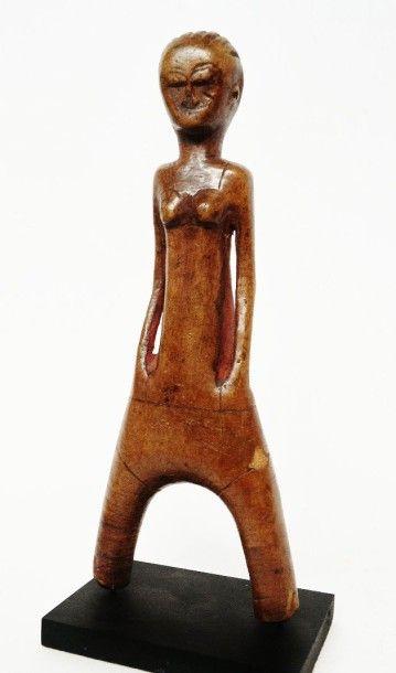 Lance-pierres ? Représentation féminine stylisée...