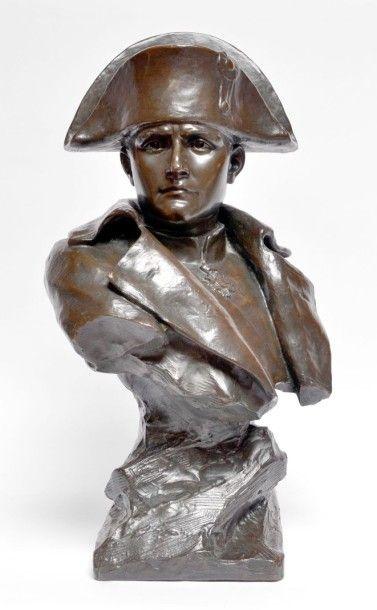 Henri GODET (1863-1937) Napoléon Ier en buste....