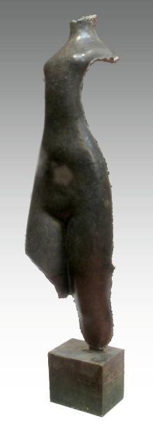 Casimir RAYMOND (1870-1955). Femme. Ciment...