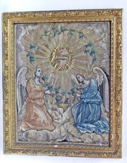 BRODERIE sur soie figurant deux anges autour...