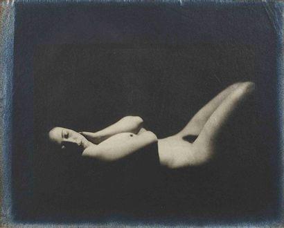 Albert RUDOMINE (1892-1975). Nu allongé sur...