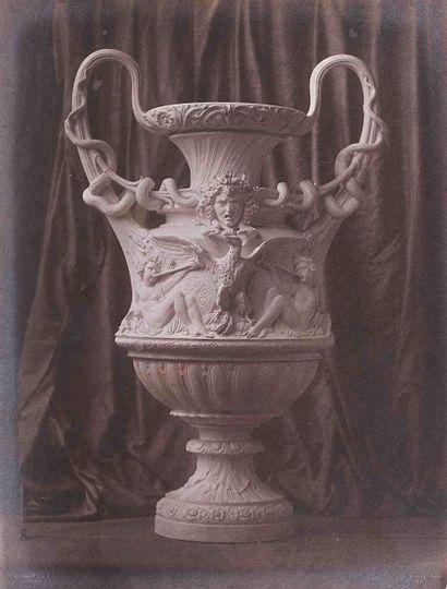 Louis-Rémy ROBERT (1811-1882). Vase de Sèvres...