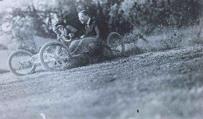 Jacques-Henri LARTIGUE (1894-1986). Course...