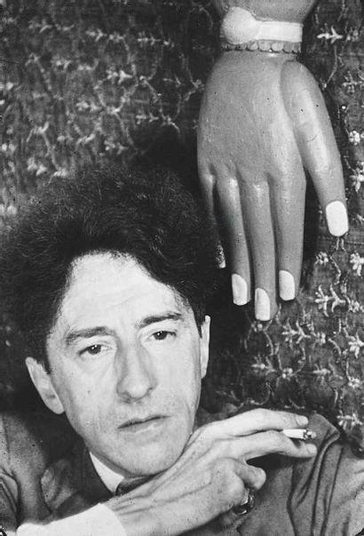 Gisèle FREUND (1908-2000). Jean Cocteau à...