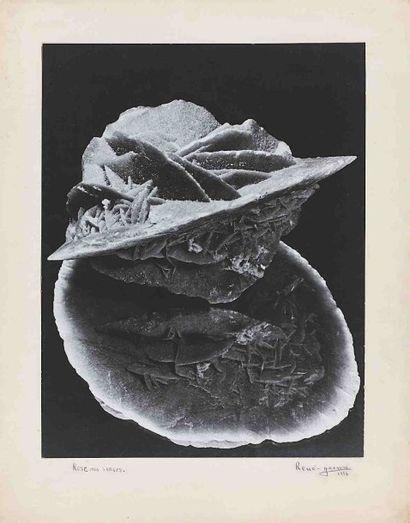 RENÉ-JACQUES [René GITON, dit] (1908-2003). Rose des sables. 1936. Épreuve gélatino-argentique...