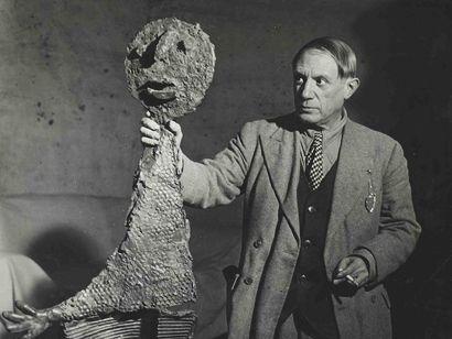 BRASSAÏ [Gyula Halász, dit] (1899-1984). L'Orateur, Picasso tenant la sculpture...