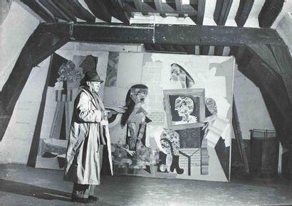 BRASSAÏ [Gyula Halász, dit] (1899-1984). Picasso devant « Les femmes à leur toilette...