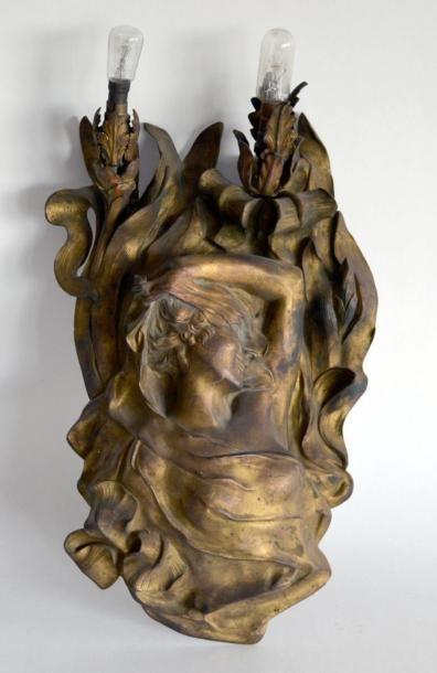 Belle APPLIQUE lumineuse Art Nouveau en bronze...