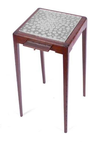 Attribuée à LALIQUE.Petite TABLE carrée...