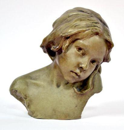 Edmond LACHENAL (1857-1930). Buste de fillette....
