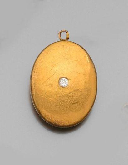 *MEDAILLON porte photo ovale en or jaune...