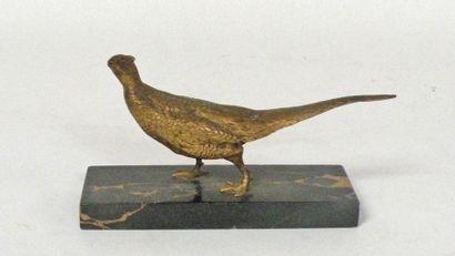 SUJET en bronze doré figurant une poule faisane....