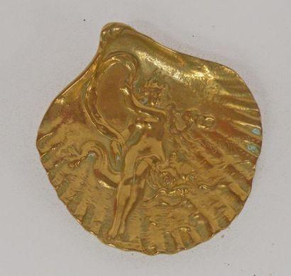 VIDE POCHE en bronze doré en forme de coquille...