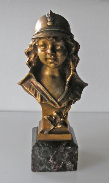 HARRY. Enfant pompier. Sculpture en bronze...