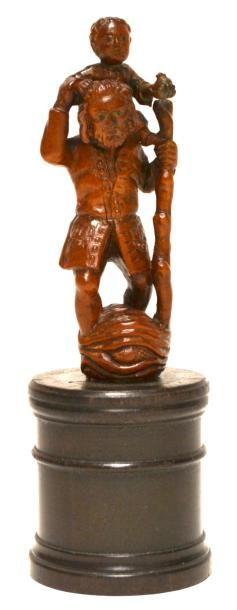 SUJET en buis sculpté représentant Saint-Christophe...