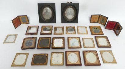 DAGUERRÉOTYPES. AMBROTYPES. Années 1850-1860....
