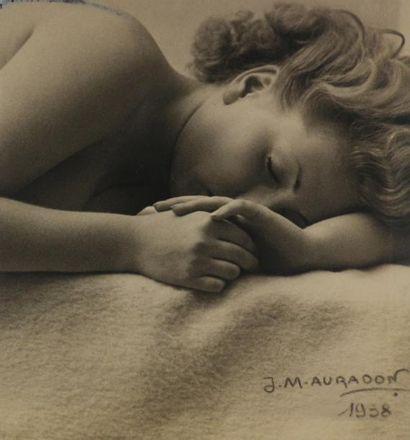 J.M. AURADON, portrait vers 1938. E. BOUBAT,...