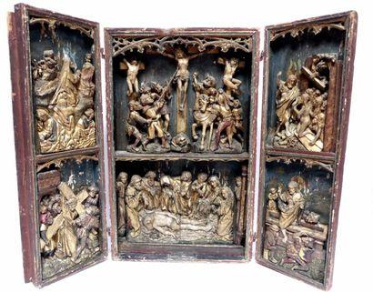 Grand TRIPTYQUE en bois sculpté et polychromé...