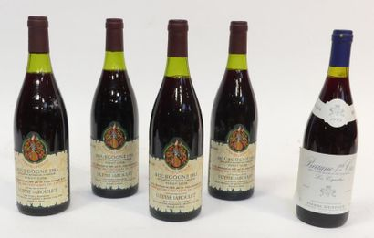 Lot de 5 blles comprenant : 4 blles de Bourgogne...