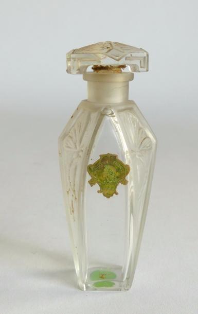 Horizon de France (Paris) - (années 1920) - flacon en verre incolore pressé partiellement...