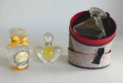 Divers parfumeurs. Lot comprenant un flacon...