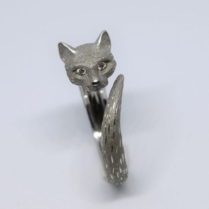 Bague chat en or gris 750°/00 partiellement...