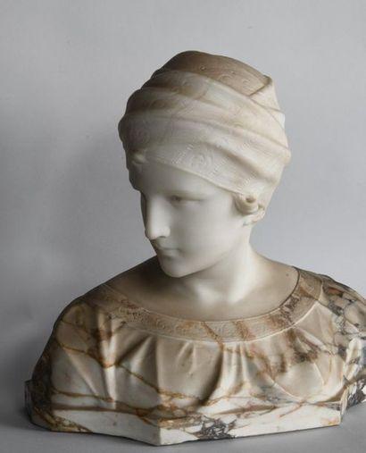 Guglielmo PUGI (c.1850-1915). Buste de femme...
