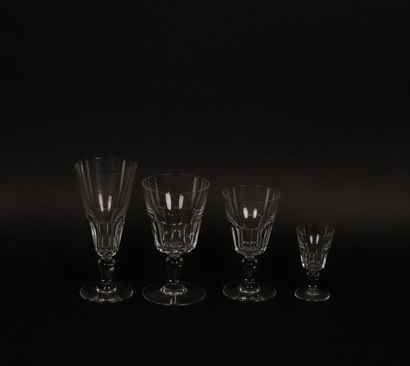 Baccarat, service en cristal taillé comprenant,...