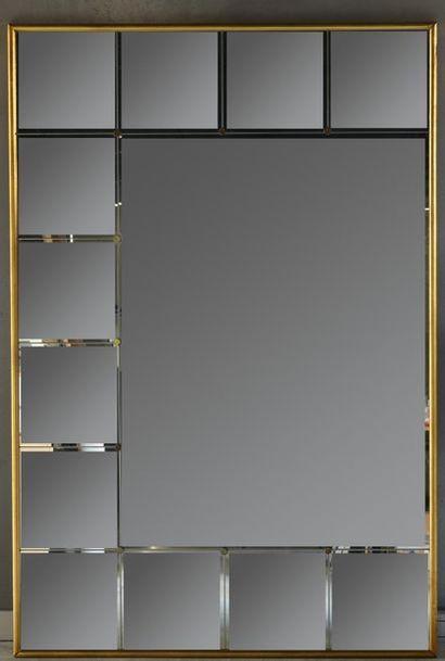 Important miroir rectangulaire à carreaux...