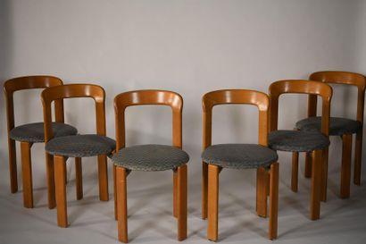 Suite de six chaises en bois laminé et assises...