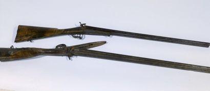 Deux fusils de chasse à chien : - un avec...