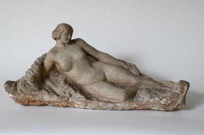 École française vers 1920 Nue allongée Sculpture...