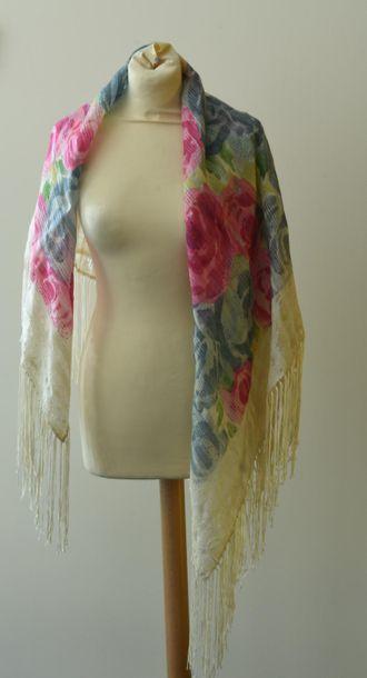 Châle carré en soie, frangé, motifs imprimés...