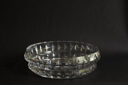 BACCARAT importante coupe en cristal taillé,...