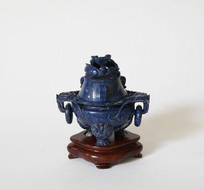 Chine XXe. Brûle parfum en lapis-lazuli,...