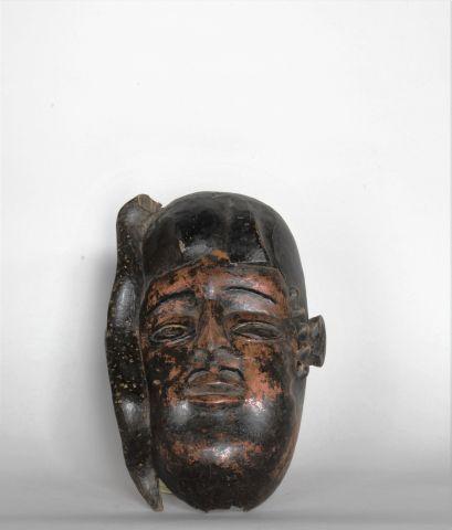 NIGERIA  Masque en bois sculpté à patine...