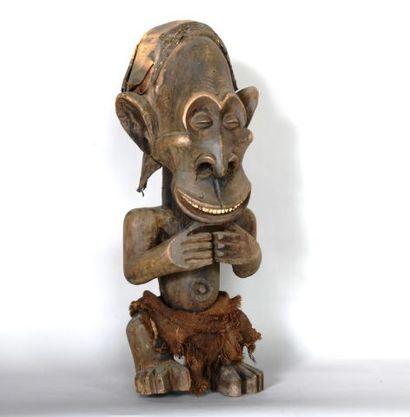 CAMEROUN  Statue d'un personnage en bois...