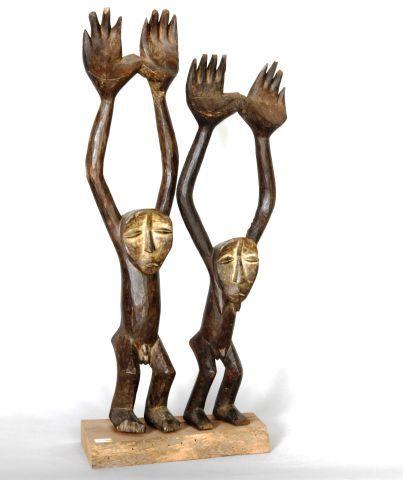 CONGO  Couple de statuettes en bois sculpté...