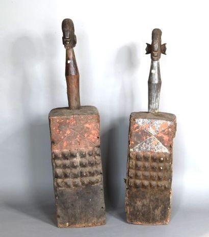 NIGERIA  Couple de masques d'épaule en bois...