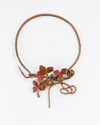 """Claude LALANNE (1924-2019) . Collier """"Chinois"""" à décor de fleurs d'hortensias -..."""