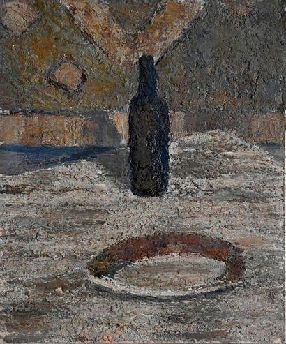DELORME Louise (née en 1928). Assiette et bouteille. Huile sur toile. 65 x54 cm...