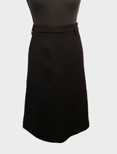 PRADA. Jupe noire 100% laine, longueur genoux,...