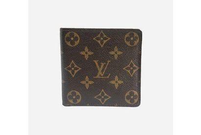 LOUIS VUITTON. Wallet in Monogram canvas,...